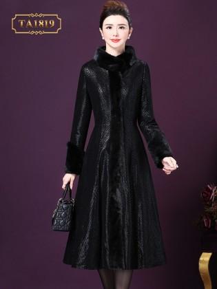 Áo khoác mangto họa tiết cổ lông màu đen quý phái TA1819