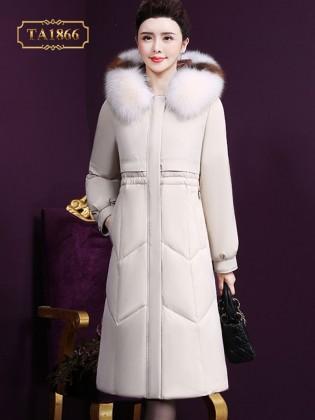 Áo khoác phao dáng dài cổ mũ lông phối màu phong cách TA1866