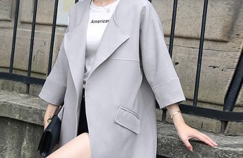 Mẫu áo khoác dạ nữ dáng suông nhẹ nhàng thanh lịch