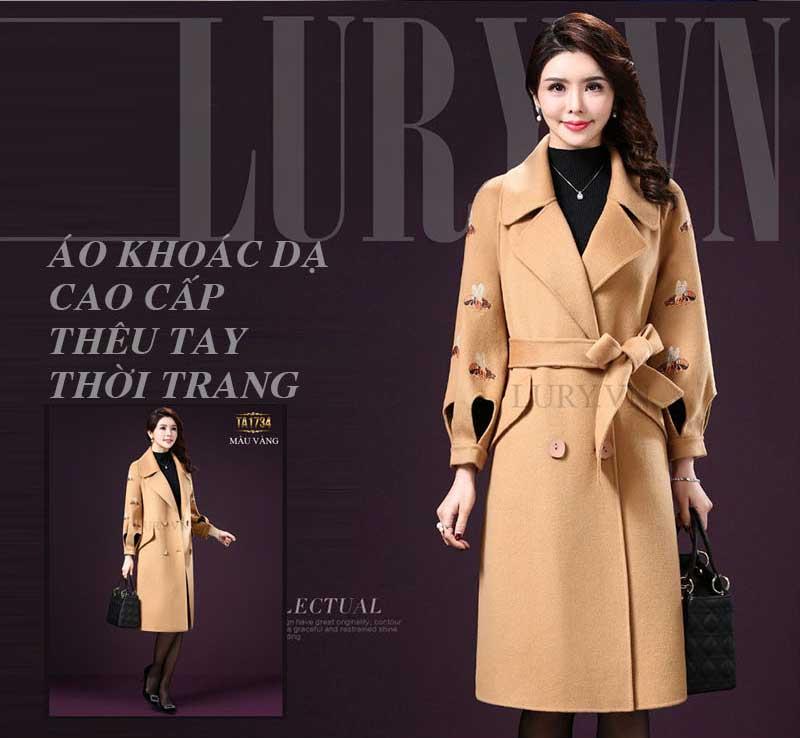 Áo khoác dạ cao cấp thêu tay thủ công là thiết kế cao cấp phô trương vẻ đẹp nữ tính, quyến rũ của những quý cô thời trang